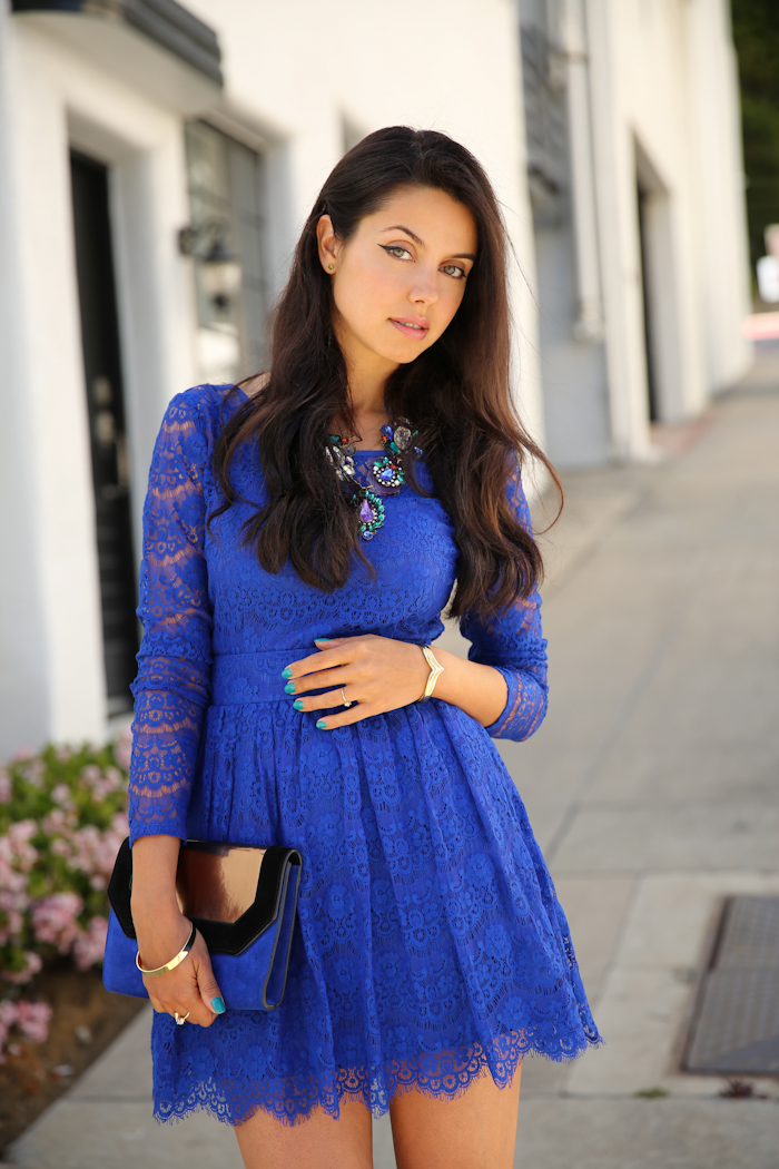 Accessories with blue lace dress